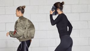 Welche beiden US-Models rennen hier vor den Paparazzi weg?