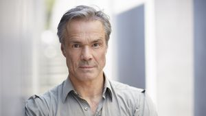 Schauspieler Hannes Jaenicke leidet unter Tod seiner Mutter