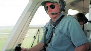 Harrison Ford im Helikopter