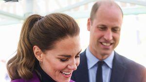 Furchtlos! Hier spielt Herzogin Kate mit einer Vogelspinne