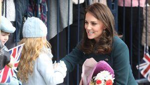 Royale Kinderliebe: Herzogin Kate albert mit ihren Mini-Fans