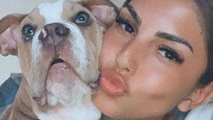 Vor Reise zu ihrem Jimi: Yeliz Koc' Hund zerkaut ihre Schuhe