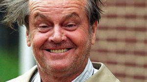 Irrer Jack! Nicholson schlief mit Hammer im Bett
