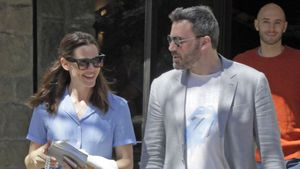 Jennifer Garner und Ben Affleck nach der Ostermesse