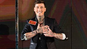 "UK-""Naked Attraction"": Jeremy McConnell zieht blank!"