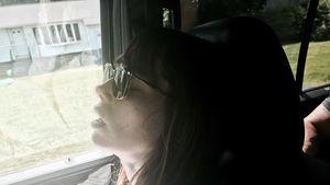Jessica Biel beim Schlafen im Auto