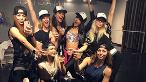 Party mit Julianne Hough: Nina Dobrevs coole B-Day-Sause!