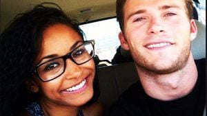 Jewel Alexandra Brangman und Scott Eastwood bei einem Road-Trip durch Kalifornien
