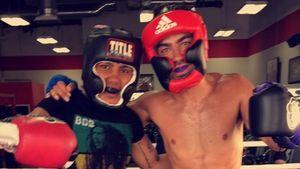 Joe Jonas mit seinem Coach beim Box-Training