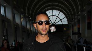 John Legend am Flughafen von L.A.