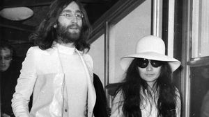 Yoko Ono im Krankenhaus: Schlaganfall-Meldung dementiert!