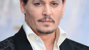 "Johnny Depp soll Gomez in ""Addams Family""-Remake spielen!"