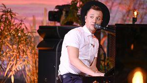 """Swing-Nummer: """"Sing meinen Song""""-Joris spielt mit Fuß Piano"""