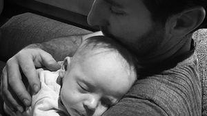 Beste Buddys: Katherine Heigls Mann kuschelt mit Baby Joshua