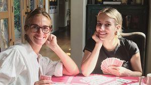 Herrlich normal: Julia Roberts spielt mit Nichte Emma Karten