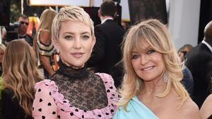 Süßer Tochter-Support: Kate Hudson kniet vor ihrer Mama!