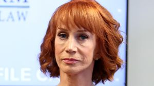 """Pulp Fiction""-Star Kathy Griffin: Mutter leidet an Demenz"