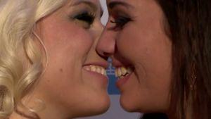 PR-Gag? Bachelor-Girls Katie & Sarah knutschen