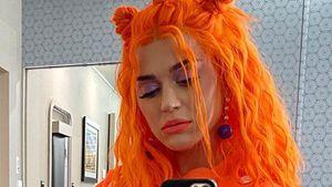 Ganz in Orange: Katy Perry setzt runden Babybauch in Szene