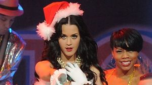 Katy Perry versprüht Weihnachtszauber
