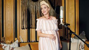 Hochschwangere Katy Perry trägt Pfefferspray im Ausschnitt!
