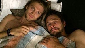 Sexy Bromance: James Franco kuschelt mit Keegan