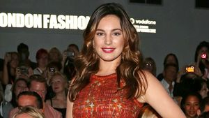London Fashion Week: Kelly Brook als elegante Lady