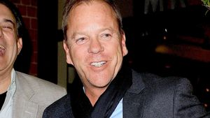 Kiefer Sutherland: Suff-Strip in kanadischer Bar!