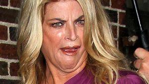 Wem zeigt Kirstie Alley denn da den Stinkefinger?