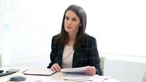 Business-Look: Königin Letizia ganz schick im Homeoffice