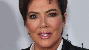 Kris Jenner wird der sexuellen Belästigung beschuldigt!