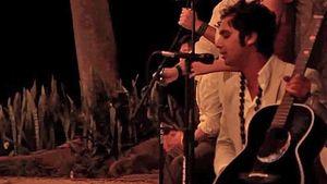 Dreamy! TBBT-Kunal Nayyar singt auf einer Hochzeit