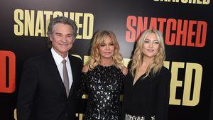 Busen-Grapscher: Kate Hudson & Mama Goldie Hawn albern herum