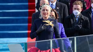 "Biden-Vereidigung: Lady Gaga singt in ""Hunger Games""-Kleid"