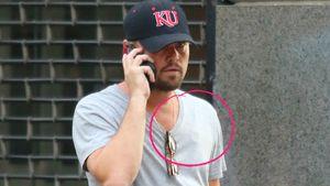 Leonardo DiCaprio mit mobiler EKG-Überwachung an der Brust