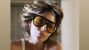 """Das ist 58"": Lisa Rinna feiert Geburtstag in knappem Outfit"