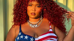 Nacktshooting: Sängerin Lizzo posiert in US-Flaggen-Outfit