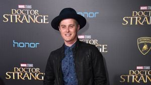 "Lucas Grabeel bereut Rolle des ""High School Musical""-Ryan"