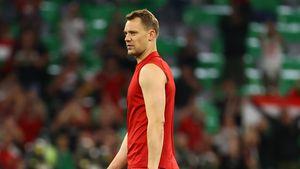 Fans verwirrt: Warum war Manuel Neuers Shirt zerrissen?