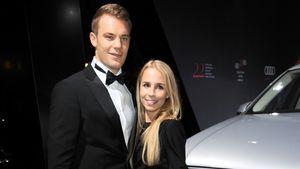 Krücken am Traualtar: Manuel Neuer hat kirchlich geheiratet