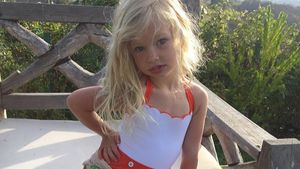 Mini-Blondine: Jessica Simpsons Tochter (3) in Model-Pose