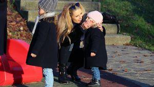 Michelle Hunziker und ihre Töchter Celeste und Sole auf einem Spielplatz in Bergamo 2016