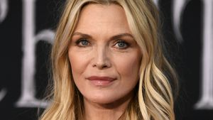 Autsch! Film-Star Michelle Pfeiffer bricht sich Arm im Bad