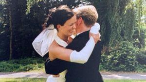 Total selten: Mickie Krause zeigt seine Frau am Hochzeitstag