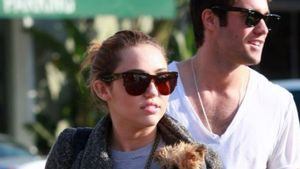 Erwischt! Miley Cyrus mit neuem Freund sowie Hund