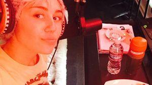 Im Studio: Verarbeitet Miley hier ihren Liebeskummer?