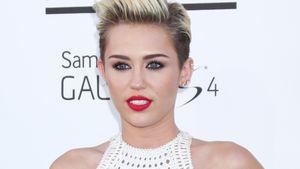 Bizarre Drohung! Miley Cyrus attackiert ihren Dad
