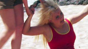 Wild-Girls-Haarprügelei: Zieh ihr Extensions raus!