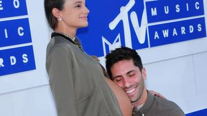 Laura Perlongo und Nev Schulman bei den MTV Video Music Awards 2016