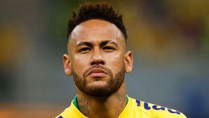 Etwa sauer? Neymar überklebt Foto von Freund der Schwester